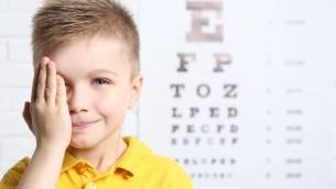 Sehtest bei Kindern – wann und wie wird er durchgeführt